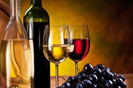 Wein Kalorien - Deutlich mehr als Cola (Foto: Valentyn Volkov | Photos.com)